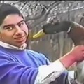 This man can hypnotize animals, awesome